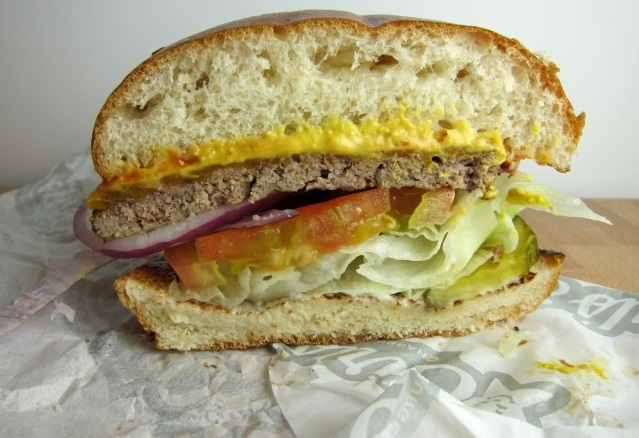 carls-jr-all-natural-burger-04