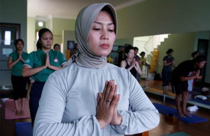 Islam-and-Yoga2
